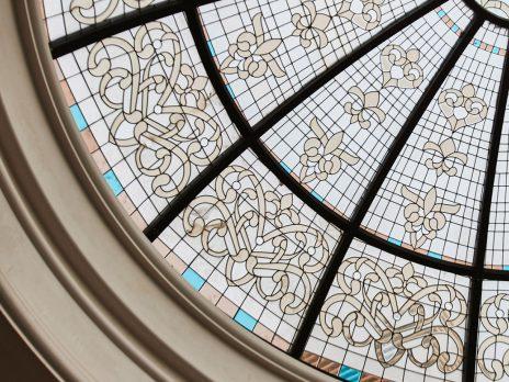 گنبد استین گلس شیشهای دست ساز نقوش ایرانی