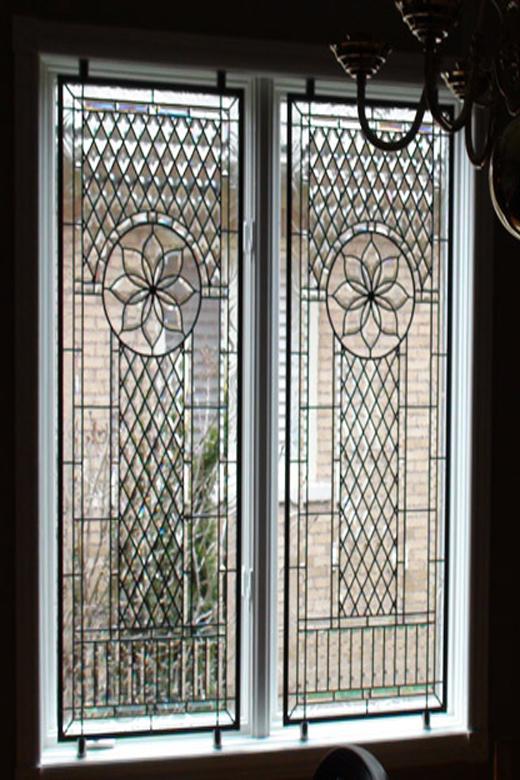 پنجره استین گلس